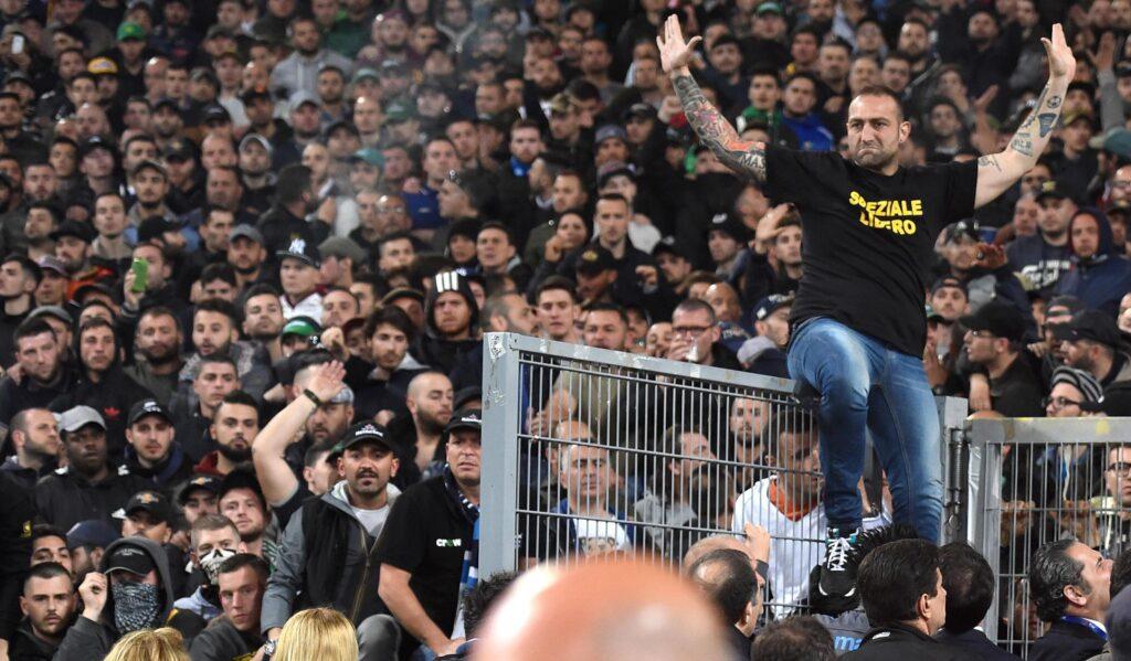 Gennaro De Tommaso ('Genny 'a carogna') durante la finale di Coppa Italia tra Fiorentina e Napoli allo stadio Olimpico di Roma, 4 maggio 2014. ANSA/ETTORE FERRARI
